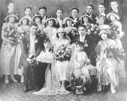 Old-family-wedding
