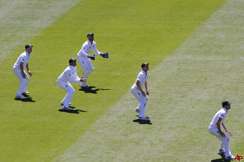 Australia-england-ashes-cricket-2010-12-28-22-40-45