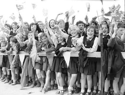Children-cheering